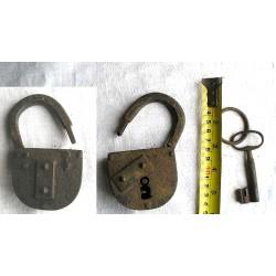 Gros cadenas ancien, forgé 11cm
