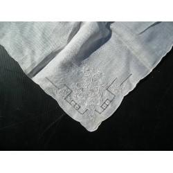 Mouchoir ancien de mariée, en linon