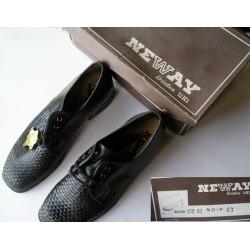 Chaussures neuves NeWay T43, en cuir tressé noir