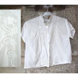 Vêtement ancien fillette, asiatique, motif dragon