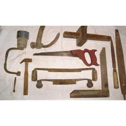 Lot d'outils anciens à bois