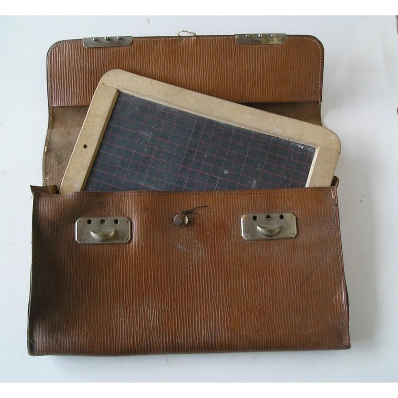 sacoche en cuir avec ardoise ancienne broc23. Black Bedroom Furniture Sets. Home Design Ideas
