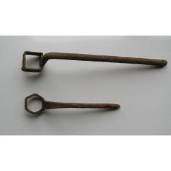 2 clés anciennes de charron