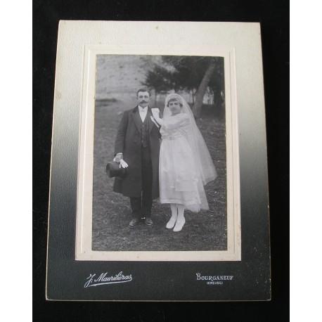 Photo ancienne couple de mariés années 20