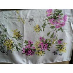Foulard ancien fleurs et papillons,  vintage