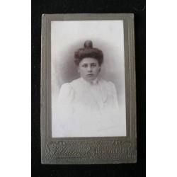 Photo ancienne, portrait femme XIX è