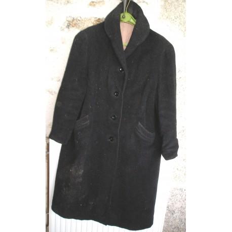 Manteau ancien noir en lainage