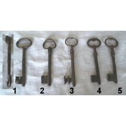 Lot de 5 clés très anciennes forgées