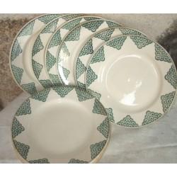 12 assiettes plates anciennes St Amand
