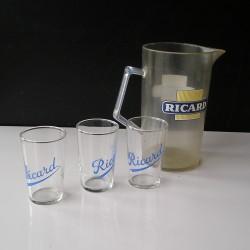3 petits verres Ricard et pichet plastique,vintage