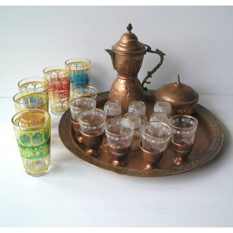 Service à thé marocain, en cuivre /verre