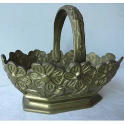 Panier en cuire ou bronze sculpté