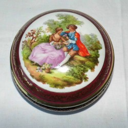 Boite ronde en porcelaine de Limoges diamètre 15cm