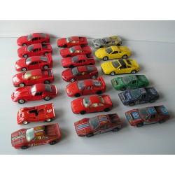 LOT de 20 Voitures miniatures FERRARI 1/43 Burago, Maistro...