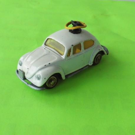 VW COCCINELLE 1300 saloon volant GORGI TOYS