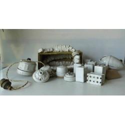 Matériel électrique en porcelaine, suspension...