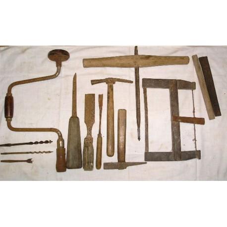 LOT d'outils anciens à bois, menuisier