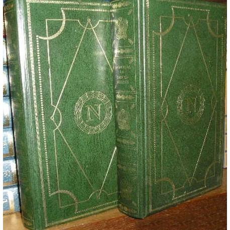 2 Livres de collection reliés Napoléon - Ste Hélène