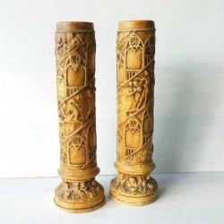 2 vases  anciens en plâtre 40cm, scènes villageoises