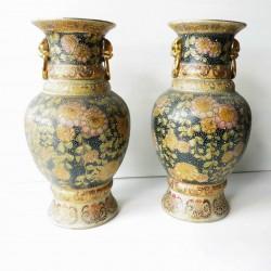 2 vases asiatiques anciens en céramique hauteur 35cm, poids chacun 2.5kg
