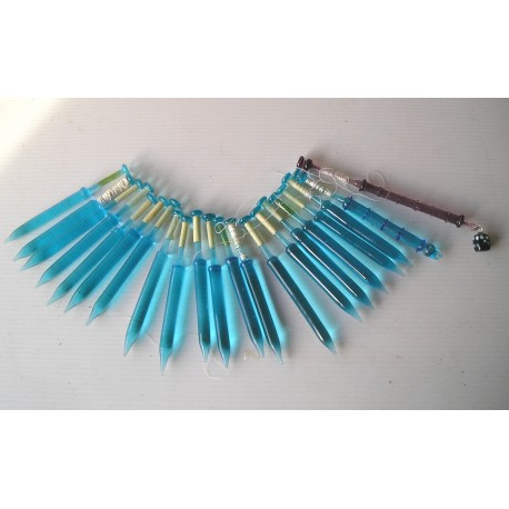 Lot de 21 fuseaux fins anciens en verre bleu