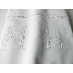 Drap ancien monogramme MB