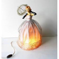 Lampe avec buste de femme en céramique