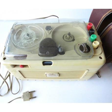 Magnétophone Geloso 255 -S dans sa pochette anse de la pochette cassée Fonctionnement à voir