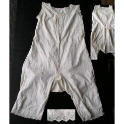 Chemise fendue de femme XIXè