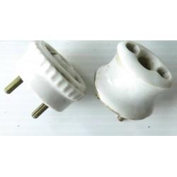 2 Prises-fiches en porcelaine,-mat. électrique ancien