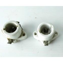 2 Douilles-appliques en porcelaine-mat. électrique ancien