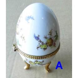 Oeuf porcelaine 9cm, boite à bijou, bonbonnière (A)
