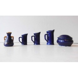 Miniatures en céramique bleue