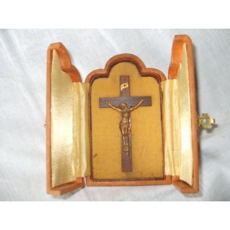 Christ dans sa boite 12cm