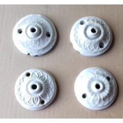 4 rosaces plafonniers en porcelaine