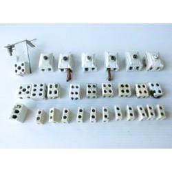 28 Dominos en porcelaine, matériel électrique ancien
