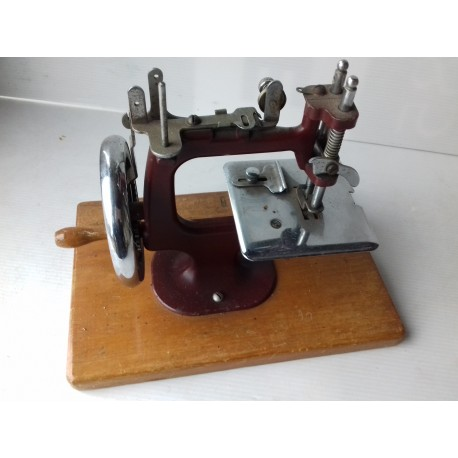 Ancienne petite machine à coudre rouge 20cm