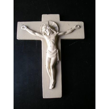 Christ ancien en plâtre