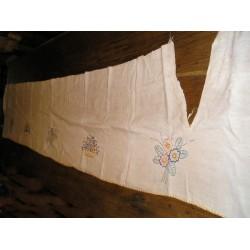 Tissu (chanvre-lin) brodé main   267 x 42cm