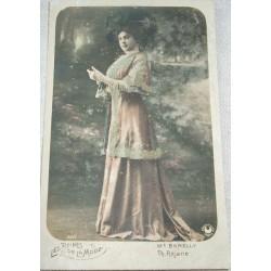 Carte postale ancienne , femme 1900