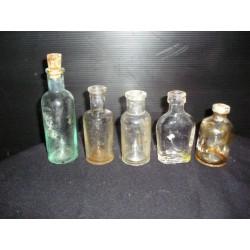 Lot de 5 fioles anciennes à pharmacie, années 1900
