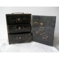 Boite chinoise ancienne,coffret à bijoux 3 tiroirs, à restaurer