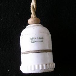 Douille ancienne en porcelaine